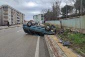 Kestel'de, Yağmur Nedeniyle Kayganlaşan Yolda Kontrolden Çıkan Otomobil Takla Attı