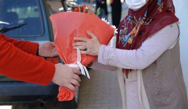 Başkan Tanır Şehit ve Engelli Annelerini Unutmadı