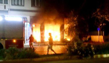 Bursa'da yangında dehşet dakikaları kamerada…Alevlerin içinden böyle çıktılar