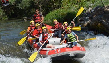 Kestel Belediyesi, gençleri rafting ile buluşturdu