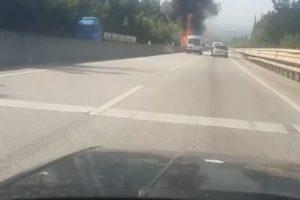 Kestel'de seyir halindeki tıra arkadan çarpan kamyon alev aldı, Ankara yolu ulaşıma kapandı